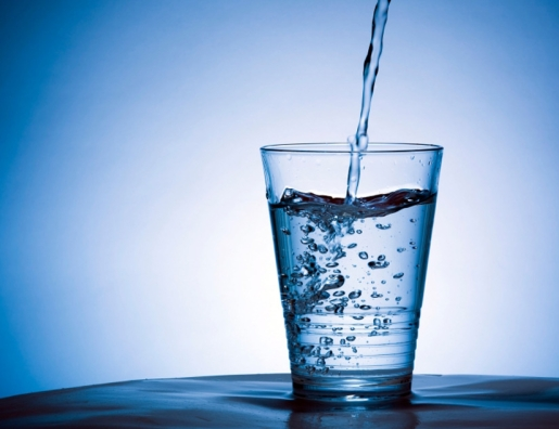 (image credit: http://www.foodielovesfitness.com/wp-content/uploads/2014/05/glass-of-water.jpg)